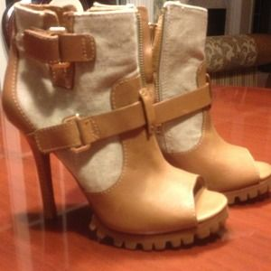 Tory burch Open toe boots