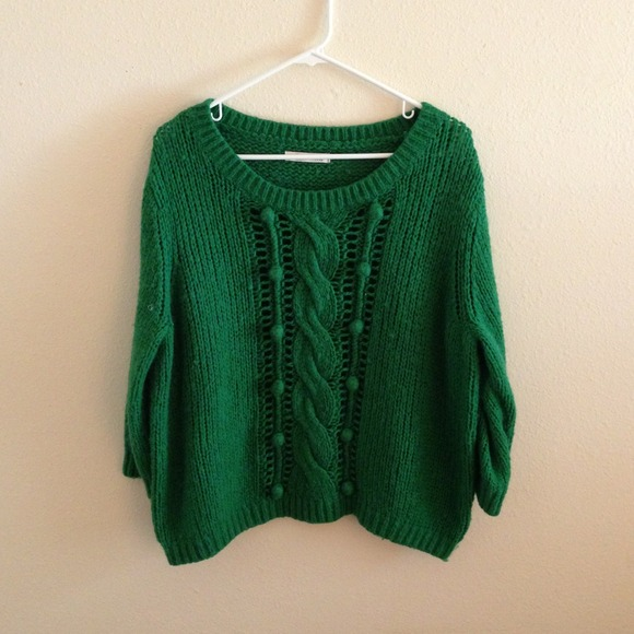 Old Navy Sweaters - Old Navy Green SweatShirt 💚