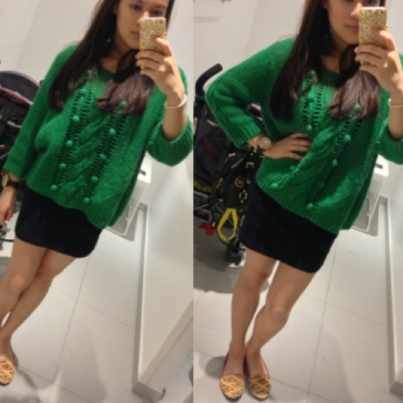 Old Navy Sweaters - Old Navy Green SweatShirt 💚