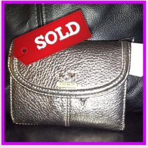 Authentic Coach Madison Leather Medium Wallet