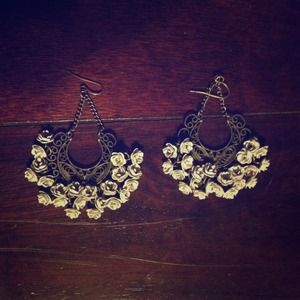 Accessories - Vintage Floral earrings