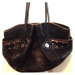 ✅REDUCED✅Cole Haan black leather satchel.