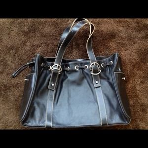Handbags - KENNETH COLE classy black handbag