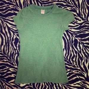 Green wordless short sleeve shirt