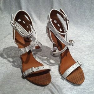 Authentic Givenchy White Heels. Sz 39