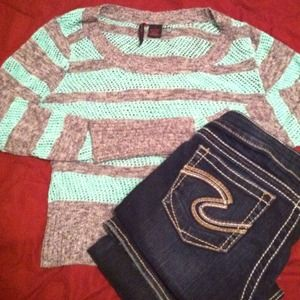 Sweaters - REDUCED🌸🌸 Knit sweater. Fits like a small/medium