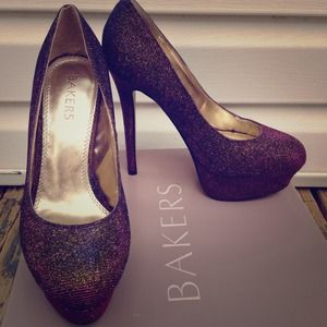 Bakers Shoes - Bundle- Bakers Metallic Heels & Black Lace Top