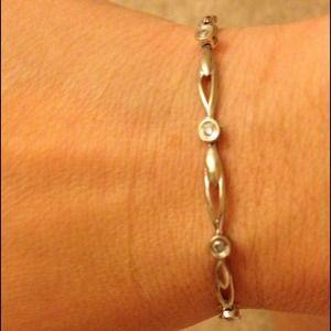 Jewelry - White gold and diamond tennis bracelet