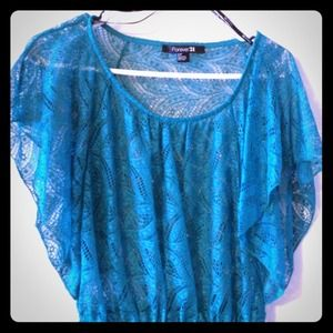 $10 Or best Offer! Cute teal color top