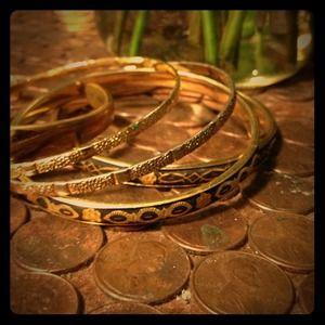 Jewelry - 5 vintage costume gold bangles