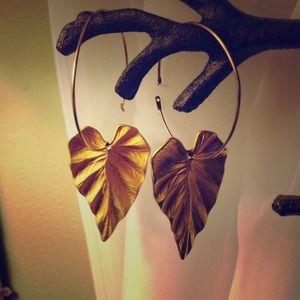 Jewelry - Gold leaf hoops