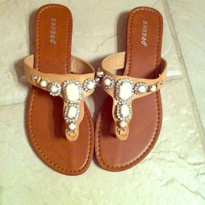 Shoes - ****SOLD******New Bamboo flip flops