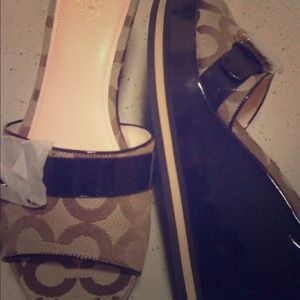 Nwt & box coach sandals