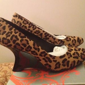 Flash sale NWB Kelsi Dagger leopard calf hair
