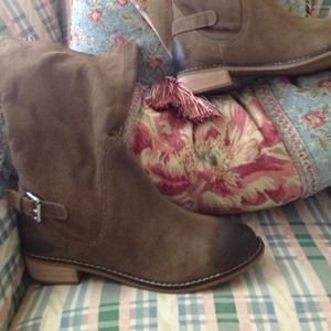 Kelsi Dagger suede distressed riding boot size 9.5