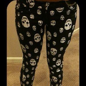 Pants - Skull print skinny jeans