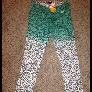 ******REDUCED******H&M leopard jeans