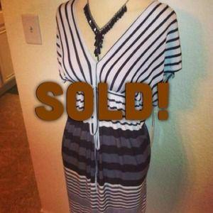 *NWT* Sz L Gray // Black // white striped dress