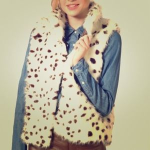 Outerwear - 📛SOLD📛 Spotted fur vest