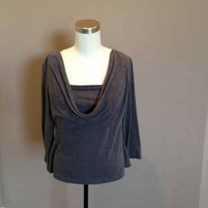 ⭐️ 2 for $ 10: Grey top w/cowl neck