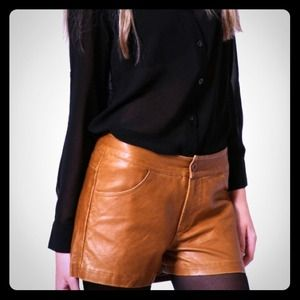 Pants - 📛SOLD📛 Tan leather shorts