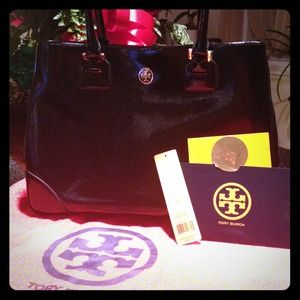 Tory Burch Robinson tote. Black. New, not used.