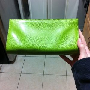 Faux snake skin like green clutch!