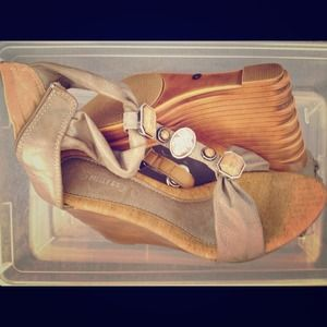 Cute & comfortable wedges