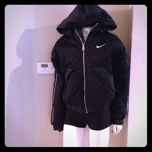 Beautiful Nike jacket with removable hoody!!
