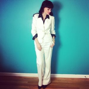 3/4 Sleeve White 2-Piece Suit