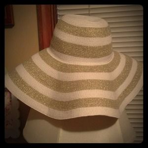 Reserved for lynseyroseBeautiful sun hat