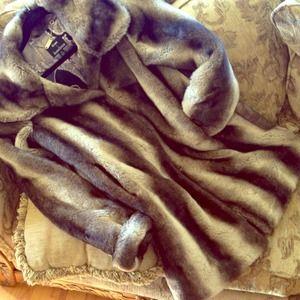 DennisBasso Jackets & Blazers - 🎀dennisbasso Faux Fur Coat