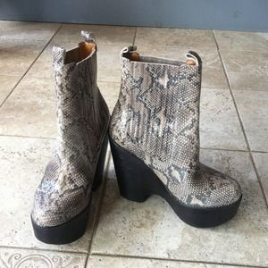 Boots leather snakeskin