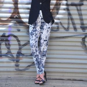 Topshop Pants - REDUCED! Lightweight printed pants