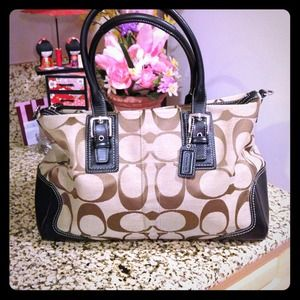 Coach Handbags - Beautiful authentic coach handbag