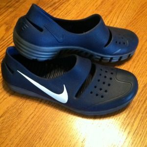Nike Shoes   Mens Rubber Nike Water