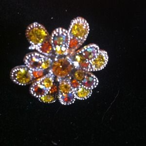 Jewelry - Swarovski crystal flower adjustable ring