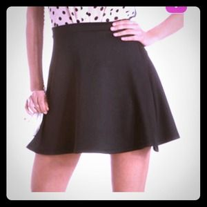 New black skater skirt