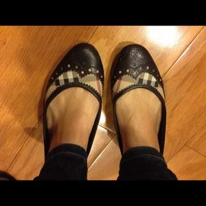 Authentic Burberry classic flats chocolate