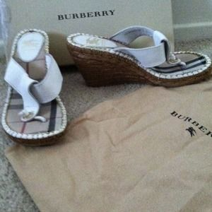Authentic Burberry sandals. Size 6