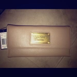 SOLD✋✋✋✋Authentic Marc by Marc Jacobs Wallet