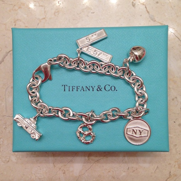 d5f608b6af6a1 ❌SOLD - Limited Edition Tiffany NYC Charm Bracelet