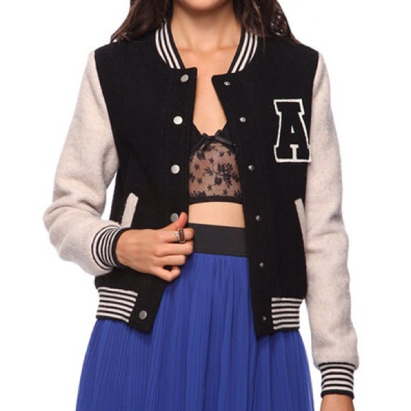 Forever 21 Jackets & Blazers - 🚫SOLD🚫FOREVER21 Wool Blend Varsity Jacket