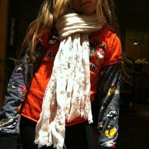 Gerard Darel Accessories - Gerard Darel 100% linen scarf