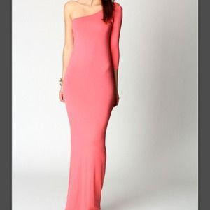 Dresses & Skirts - 📛SOLD📛 One shoulder maxi dress