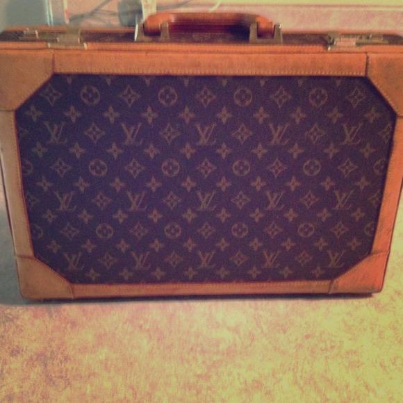 bda9f029566e Louis Vuitton Handbags - Vintage Louis Vuitton briefcase