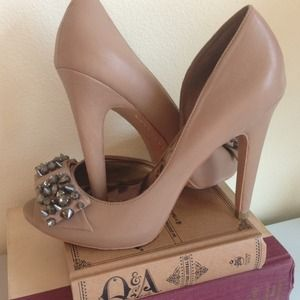 Sam Edelman open toe spiked bow pump