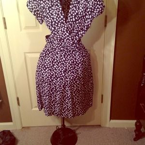 Vintage floral dress with belt