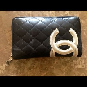 👉SOLD on DirtySecretsBoutique.com👈CHANEL WALLET
