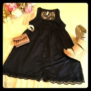 BUNDLED Black dress w/lace